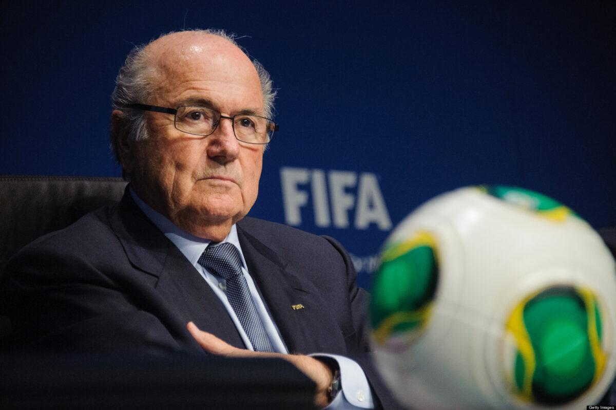 Blatter stapt op