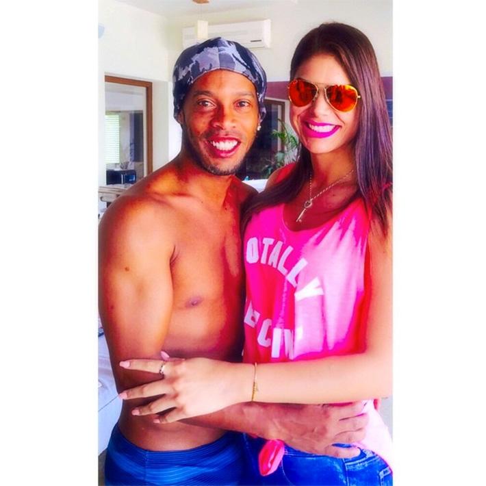 Ronaldinho doet zusje concurrent