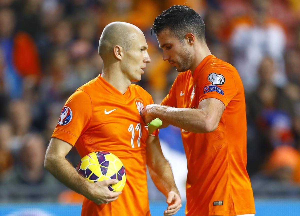 'Robben klaagt Van Persie-reclame aan'