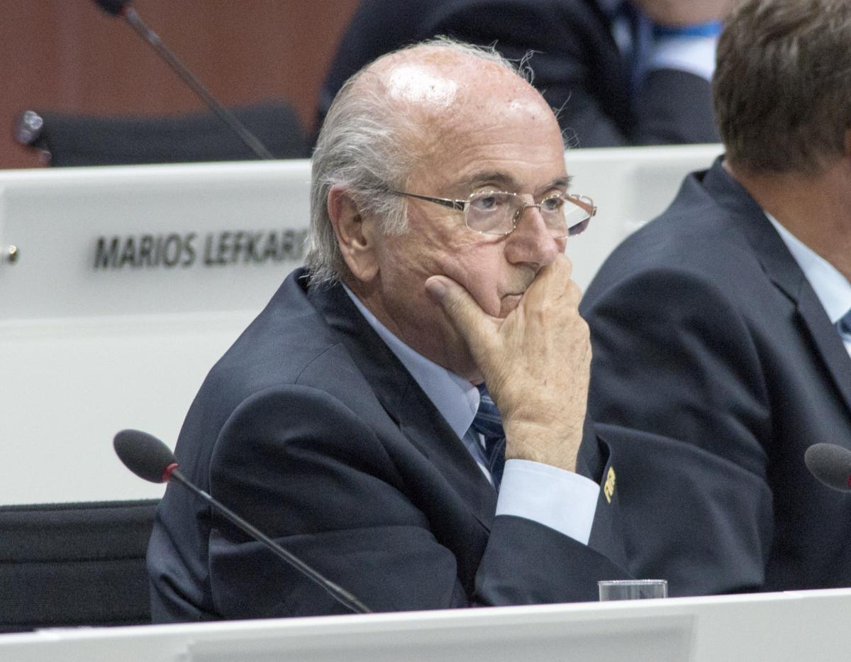 Sepp Blatter wil terug naar FIFA