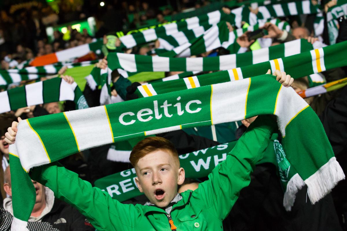 Ajax-fans slopen Schotse kroegbaas