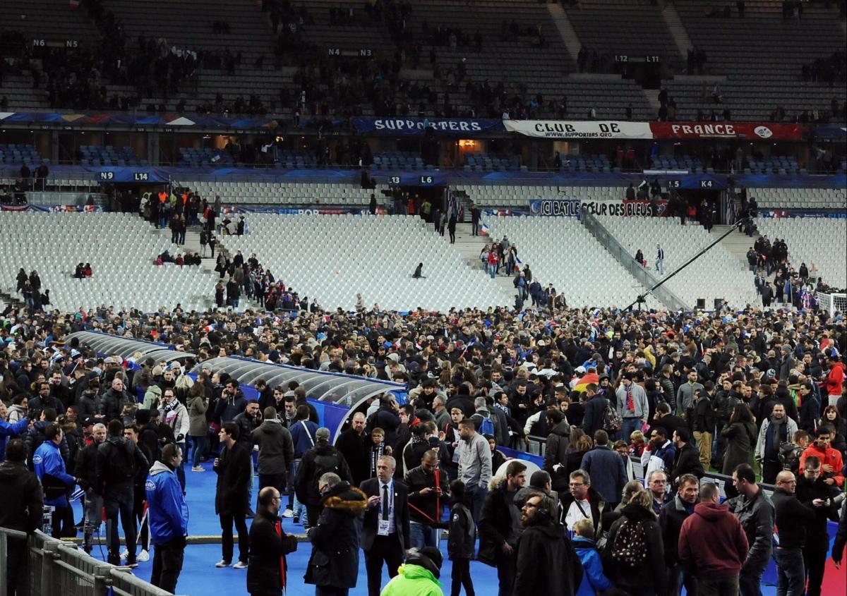 Duitse spelers overnachten in stadion