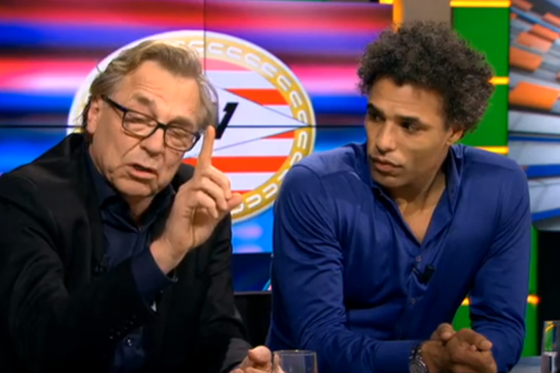 Jan Mulder faalt hard in Studio Voetbal