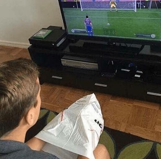 FIFA pingels