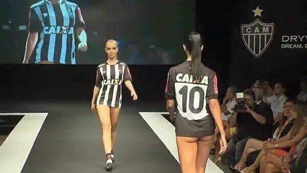 braziliaanse-club-laat-schaarsgeklede-modellen-shirt-presenteren-2