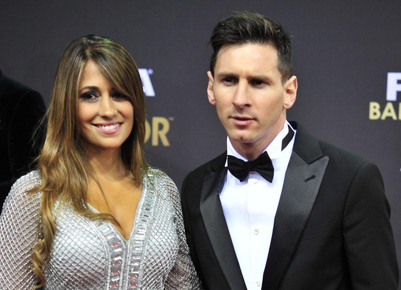 Messi showt peperdure Ferrari op Instagram
