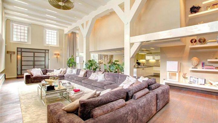 Dit luxe appartement van Wesley en Yolanthe staat te koop