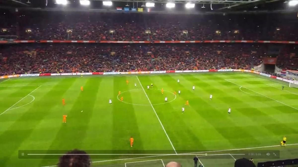 Indrukwekkende staande ovatie voor Johan Cruijff