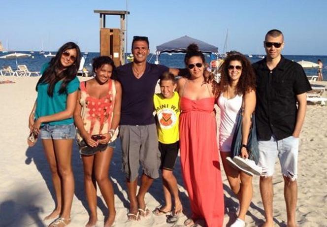 Ruud Gullit met zijn zes kinderen