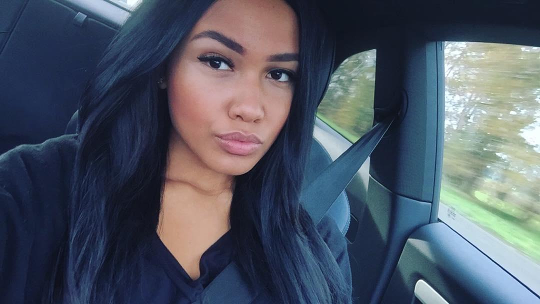 Titi Madya, vriendin Slagveer