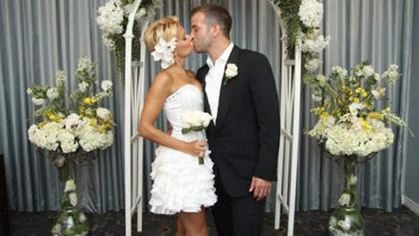 Van der Vaart en Sylvie hernieuwen huwelijk