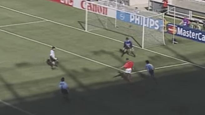 Vijf geniale goals van Dennis Bergkamp