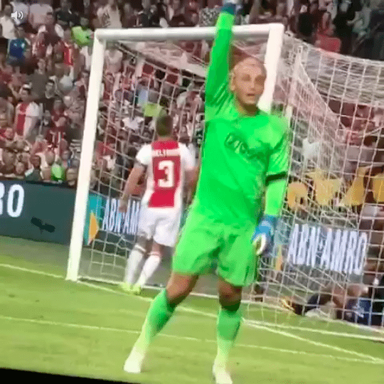 Enorme blunder Cillessen in Champions League-duel