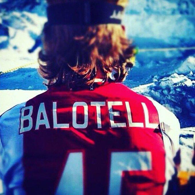 'Nu al Ajax-shirt van Balotelli'