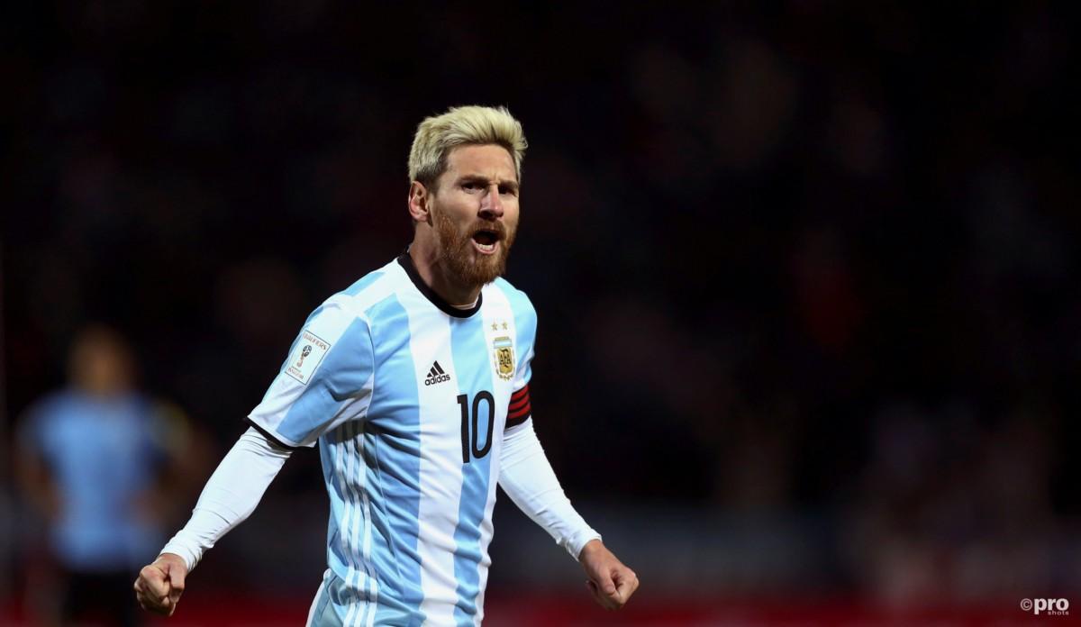 Lionel Messi showt bizarre tattoo