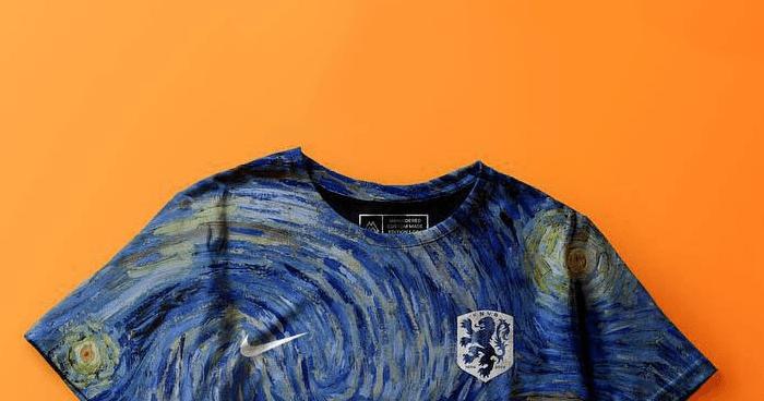 Is dit afschuwelijke tenue het nieuwe shirt van Oranje?