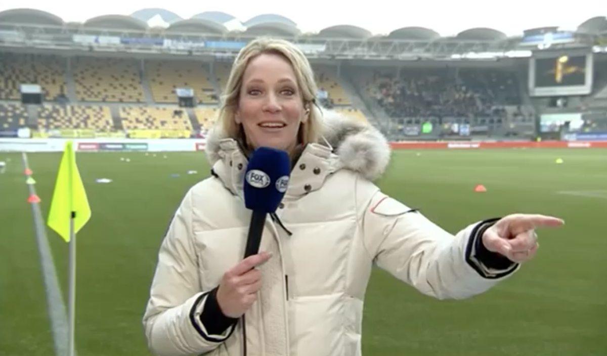 Helene Hendriks zet zichzelf voor aap door regiefoutje