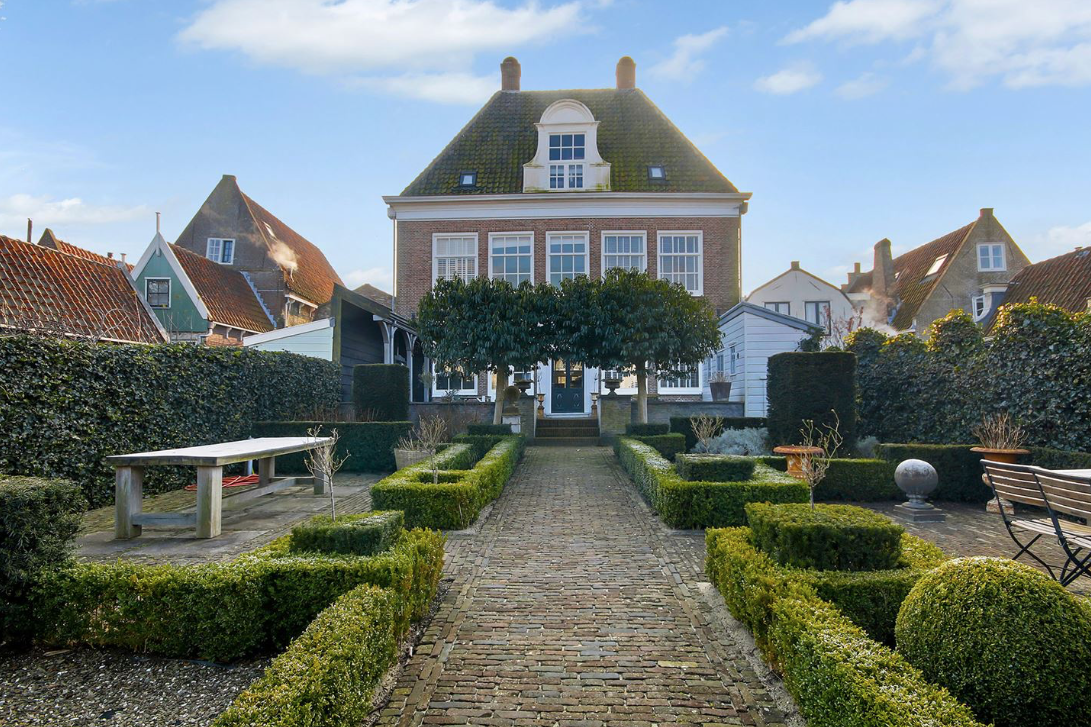 Frank de Boer verkoopt monumentaal pand met dikke winst