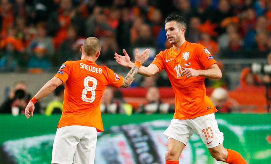 Ook Sneijder en Van Persie 'doelwit' na Turkije-rel
