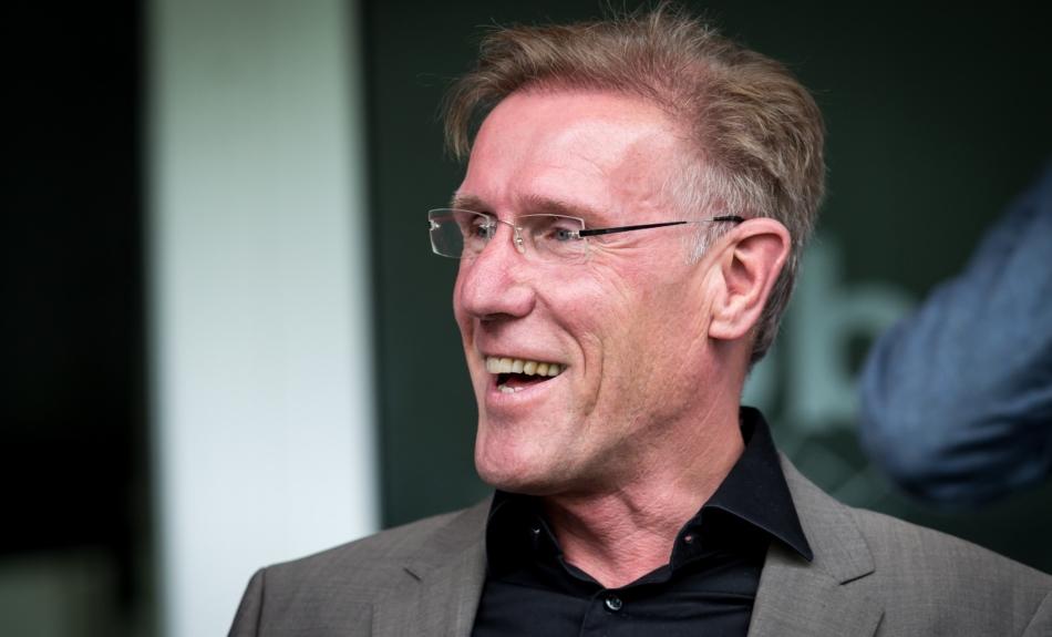 """KNVB en Van Breukelen geslacht: """"Alsof ze je nieuwe vriendin eruit gooit voor je ex"""""""