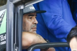 Boze Maradona verpest 'meet and greet' met Nederlandse fans