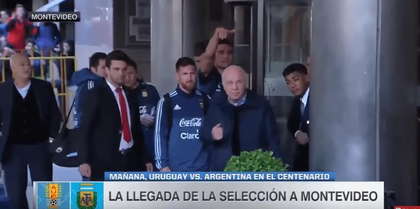 Messi roept weggestuurde jonge fan terug