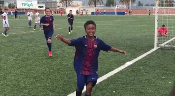 Shane Kluivert (9 jaar) scoort voor FC Barcelona