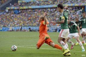 Penalty-Mexicaan dolblij met falend Oranje