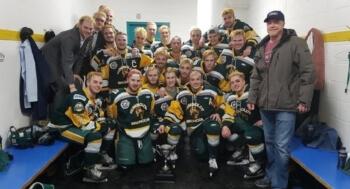 """Schokkend ongeluk met bus vol jonge ijshockeyers: """"Vreselijke tragedie"""""""