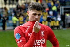 Almere City deelt keiharde diss uit aan arrogante Twente-fan