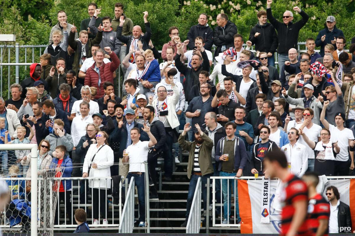 Heftig: Graafschap-fan in zijn nek gestoken bij Telstar-uit