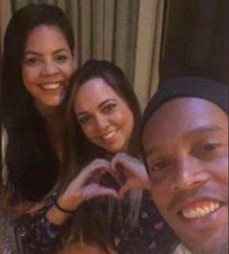 Ronaldinho trouwt met twee vrouwen