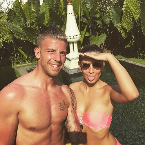 Shani van Mieghem is de vriendin van Toby Alderweireld