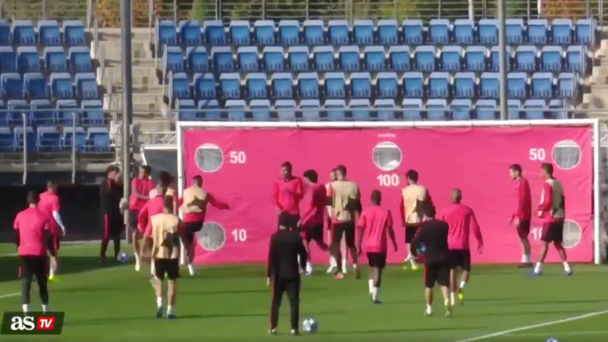 Ramos boos op training, ramt bal tegen jeugdspeler aan