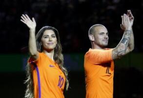 Wesley Sneijder breekt met zijn Yolanthe