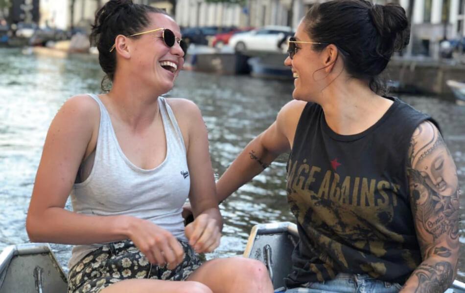 Ana is de vriendin van Merel van Dongen