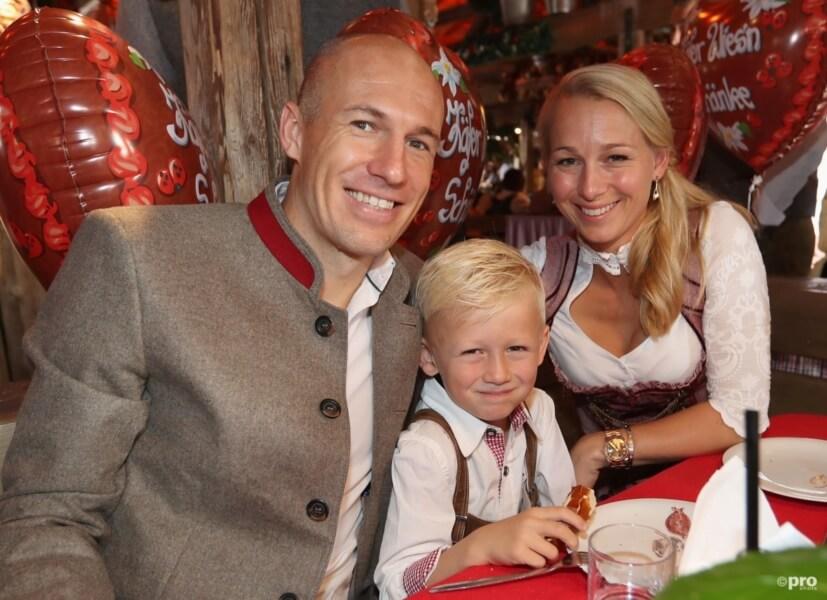 Hoeveel geld heeft Arjen Robben?