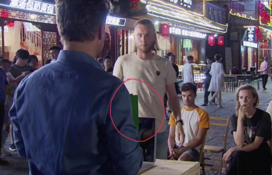 Nathan krijgt twee groene kaarten in Wie is de Mol