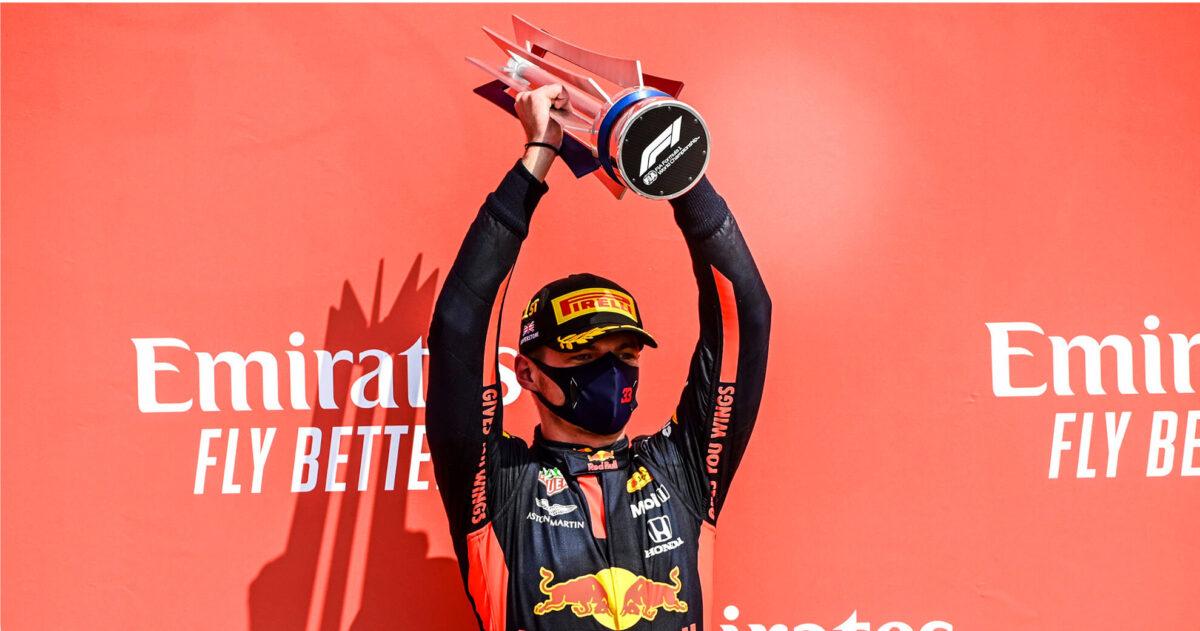 Hoeveel salaris krijgt Verstappen eigenlijk bij Red Bull?