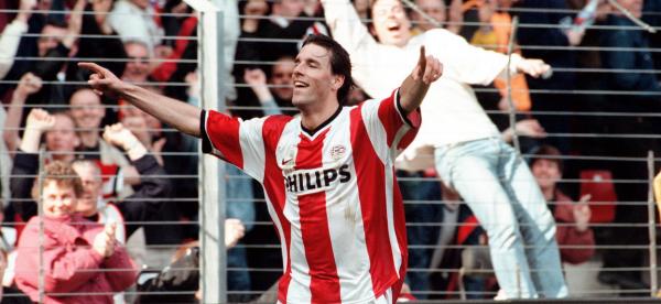 Van Nistelrooij na een goal voor PSV © Pro Shots