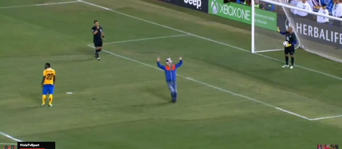 Supporter mist penalty voor Juve