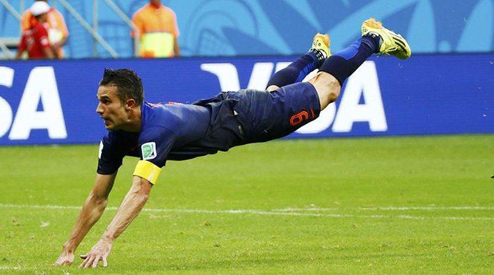Robin van Persie's fameuze WK-duik.