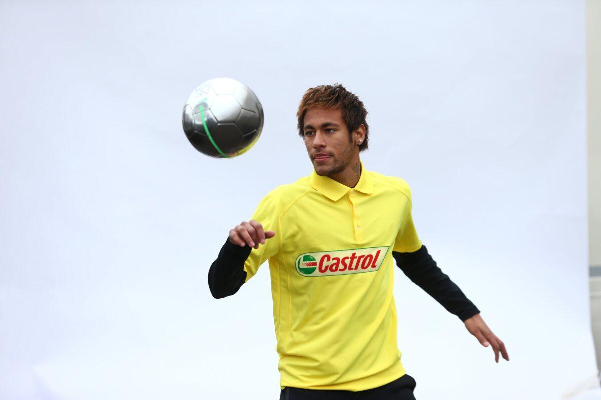 Video: Neymar krijgt gruwelijke panna