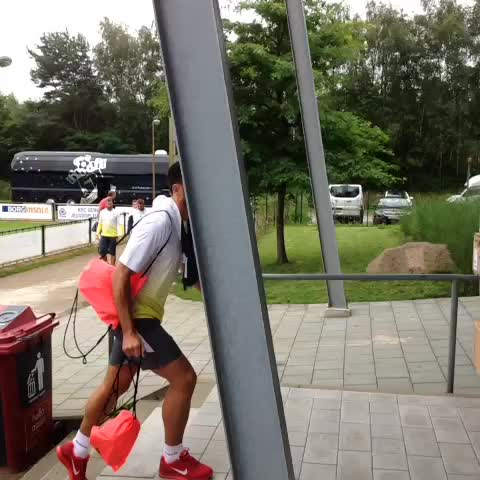 VIDEO: Pellè traint voor het eerst bij Southampton